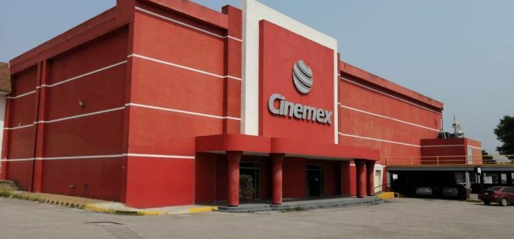 Confirman brote de Covid en 'Cinemex'