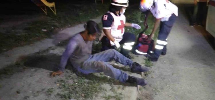 Ebrio motociclista chocó contra auto