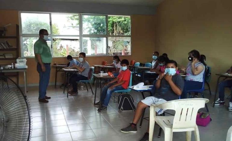 """Reinició clases """"Benito Juárez"""""""