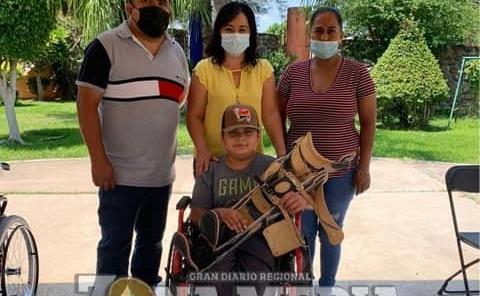 DIF entregó ayuda a discapacitados