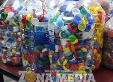 Invitan a donar tapas de plástico