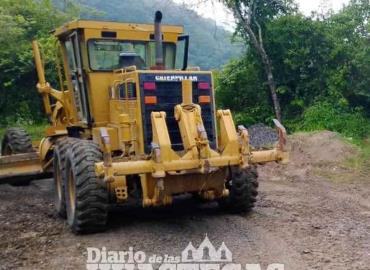 Dan mantenimiento a las carreteras