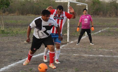 Futbol Comercial abrirá Jornada 22 en Veteranos
