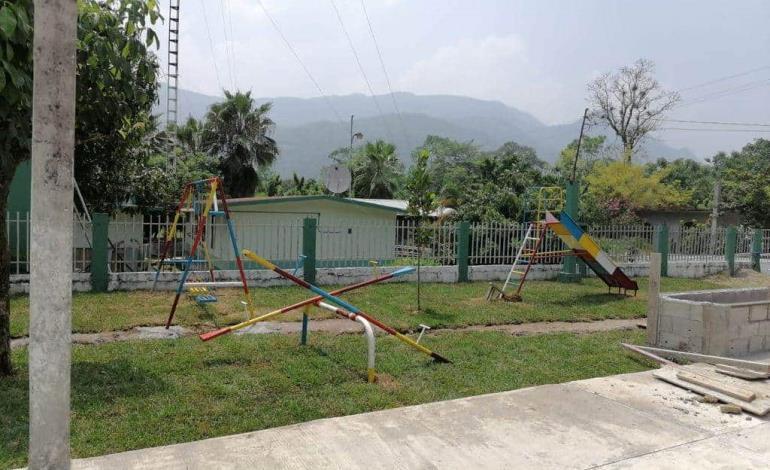 Reconstruyeron cancha y parque