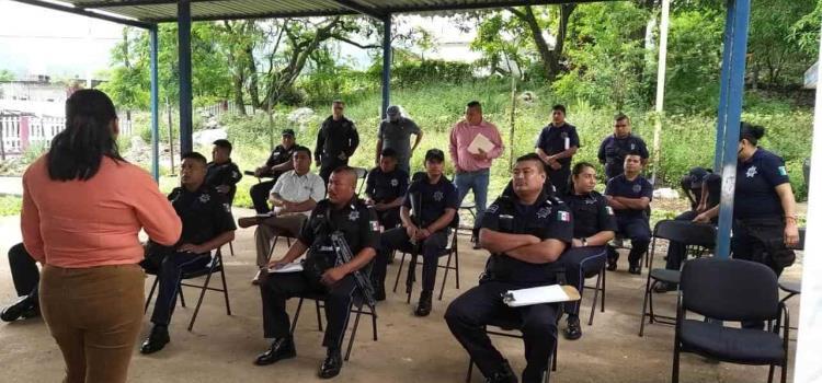 Policías municipales en curso de equidad