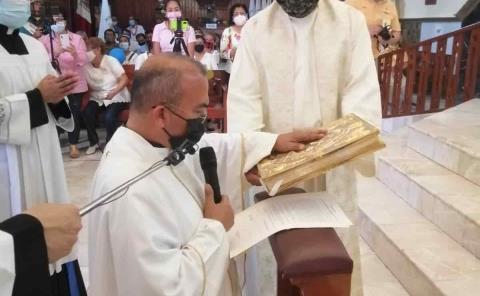 Carlos Tovar M. tomó posesión de la iglesia