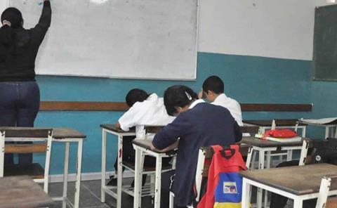 Desertaron mil alumnos