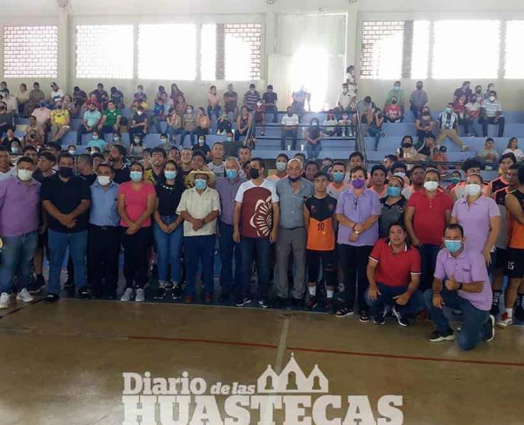 Asistió a inauguración de la Copa Huasteca