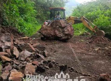 Deslave bloqueó el camino a Totonicapa