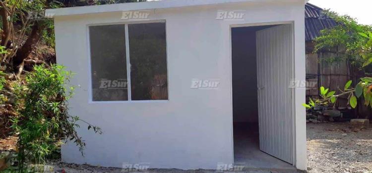 Ayuntamiento entregó dormitorios a familias