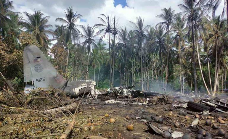 Caída de avión dejó 45 muertos