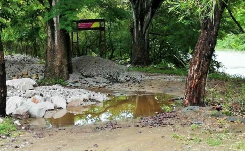 """Obra del """"sendero"""" afectada por lluvia"""