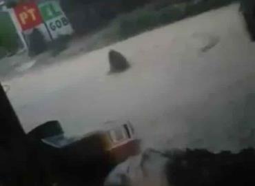 Fugas del drenaje dejaron las lluvias