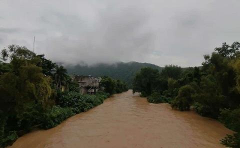 Evacuarán localidades ante aumento del río