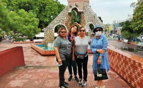 Turistas llegaron por información errónea