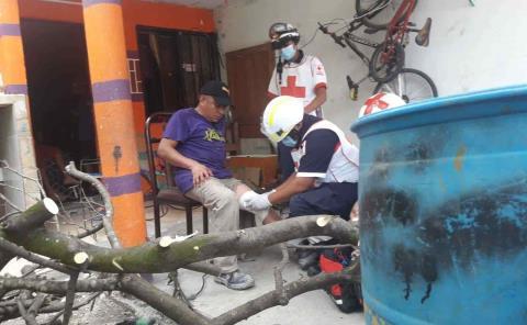 Ex policía municipal se cortó la pierna
