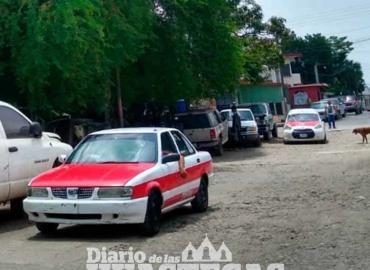 Taxistas se quejan de las calles intransitables