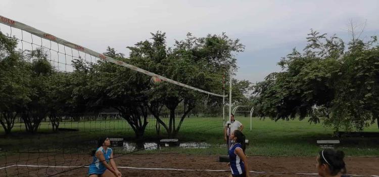 Comenzó en el Tantocob Torneo de Voleibol Playero