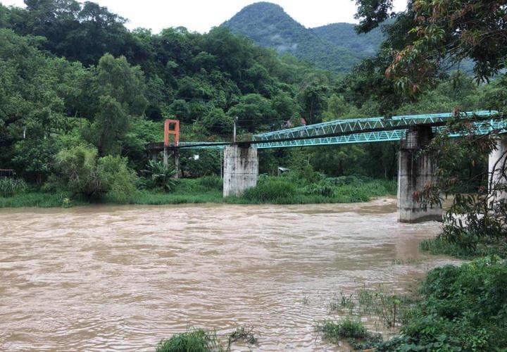 Envenenan en Xomoco el río Moctezuma; piden que Ecología intervenga