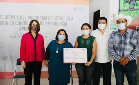 Lorena Valle entregó apoyos alimentarios