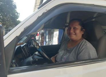 Mujeres somos capaces al volante