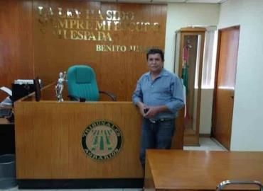 Acusan ante AMLO a funcionarios corruptos