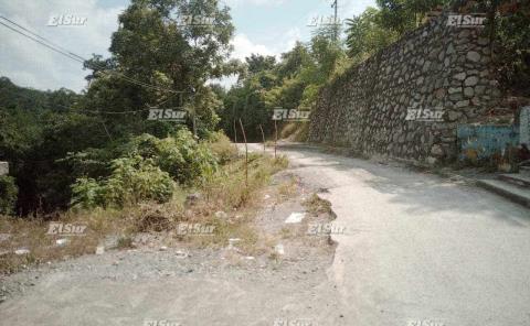 Piden reparación de carretera derrumbada