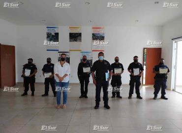 Entregaron constancias a policías capacitados
