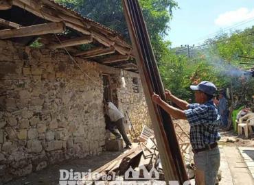 Reconstruyen una vivienda