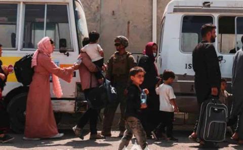 Aceleran las tropas de EU evacuaciones de Afganistán