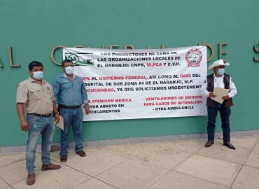 Protesta política bloqueó al IMSS