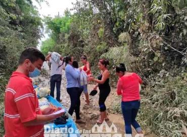 Familias recibieron apoyos alimenticios
