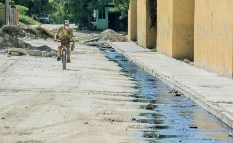 Demandan reparar fuga en Las Brisas