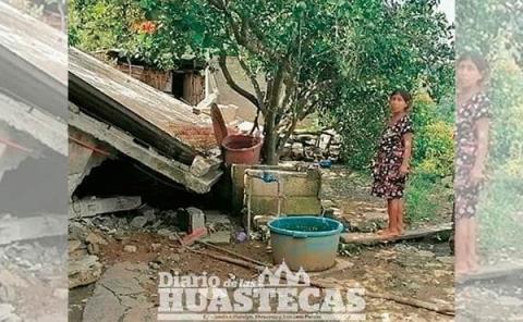 Derrumbe los  deja sin hogar