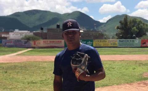 Promesa vallense firmó con Pericos de Puebla