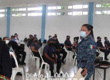 Imparten conferencia  para SPM y Alcaldía