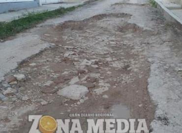 """Calle """"Morelos"""" en malas condiciones"""