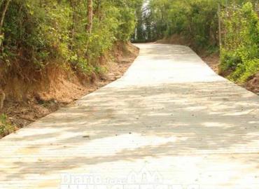 Inauguran obras en varios poblados