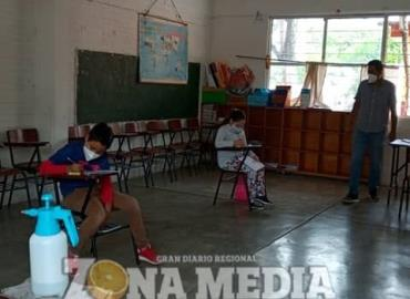 Evalúan rendimiento escolar a estudiantes