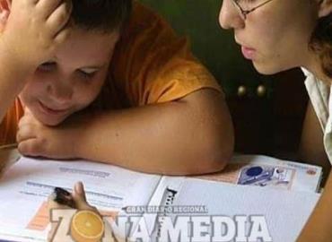 Estudiantes requieren apoyo de sus padres