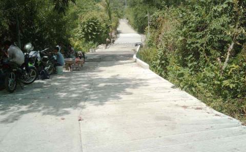 Mejoran calle en Tepetzintla