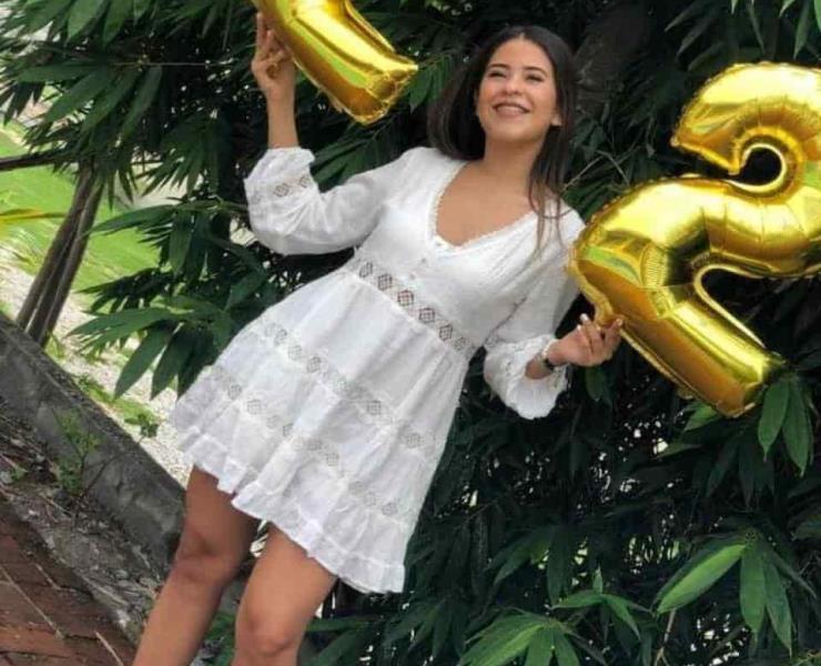 Greissy Zún~iga cumplió 22 años
