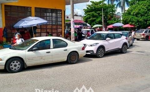 Automovilistas siguen sin respetar espacios