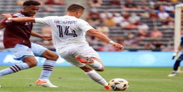 Vuelve 'Chicharito' en empate del Galaxy