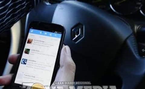 Automovilistas no deben usar celular