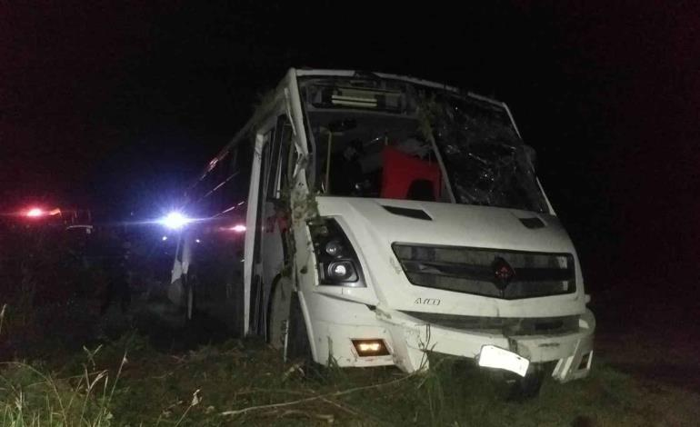 Se volcó autobús de Praderas Huastecas