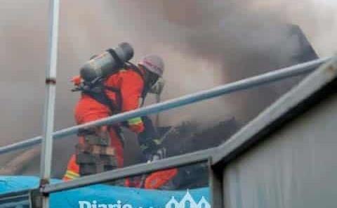 Multan a 38 funcionarios por incendio en museo