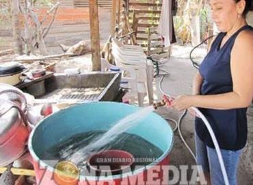 Vendedores de agua abusan de necesidad