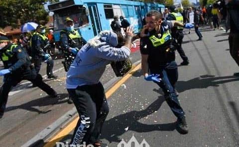 Disturbios y arrestos durante protesta