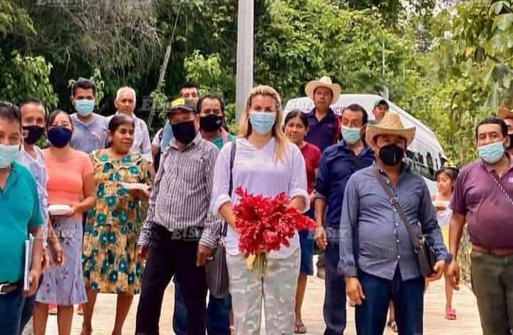 Alcaldesa inauguró pavimentación de calle